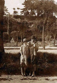 """""""Mia zia Rity nei giardini del Castello"""" - 1925 http://www.bresciavintage.it/brescia-antica/storie-di-persone/mia-zia-rity-nei-giardini-del-castello-1925/"""