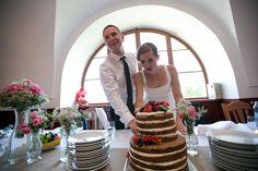 Radka & Lukáš 4.7.2015   Wedding Naked Cake Wedding 2015, Naked, Table Decorations, Home Decor, Decoration Home, Room Decor, Dinner Table Decorations, Interior Decorating
