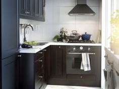 7 Splendid Cool Tricks: Narrow Kitchen Remodel Before And After white kitchen remodel laminate countertops.Easy Cheap Kitchen Remodel small kitchen remodel no window. Built In Kitchen Cupboards, Kitchen Ikea, Small Space Kitchen, New Kitchen, Kitchen Decor, Life Kitchen, Kitchen Modern, Stairs Kitchen, 1960s Kitchen