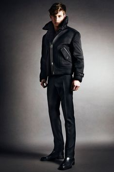 d679c6e4c79 Tom Ford Fall 2014 Menswear Collection Photos - Vogue Mens Fashion Suits