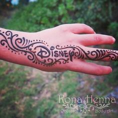 Live out your love for classic Disney with this.   25 Ways To Wear Your Favourite Books, Movies, And Shows In Henna