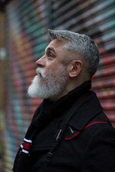 We have described winning grey hair styles for men that accommodate the grey colour effectively and make sure you look on point with it. Older Mens Hairstyles, Haircuts For Men, Old Man Pictures, Beard Haircut, Fade Haircut, Beard Styles For Men, Grey Hair And Beard Styles, Beard Look, Grey Beards