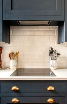 10 trend inspirations for the kitchen design - Home Fashion Trend Real Kitchen, Old Kitchen, Farmhouse Style Kitchen, Country Kitchens, Farmhouse Kitchens, Country Farmhouse, Kitchen Stuff, Kitchen Cabinet Makers, Blue Kitchen Cabinets