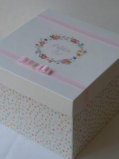craft room - γάμος, βάπτιση, διακόσμηση: κουτί βάπτισης με λουλουδένιο στεφανάκι και το όνομα του παιδιού