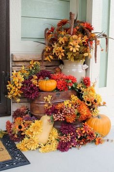 Wonderful But Creative Fall Porch Decorating Ideas. Here are the But Creative Fall Porch Decorating Ideas. This article about But Creative Fall Porch Decorating Ideas was posted  Modern Fall Decor, Fall Home Decor, Autumn Home, Fall Yard Decor, Autumn Decorating, Porch Decorating, Decorating Ideas, Interior Decorating, Deco Floral