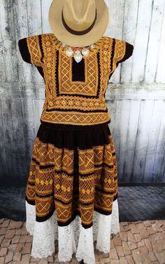 Extraordinary Vintatge Velvet Tehuana Huipil & Skirt Traje Mexico Frida Santa Fe #Handmade #HuipiltunicHuipil