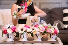 20 Kate Spade-Inspired Bridal Shower Ideas for the Chic Bride via Brit + Co - IKAE Dekoration My Bridal Shower, Bridal Showers, Bridal Shower Favors, Wedding Favors, Bridal Shower Ideas Spring, Bridal Shower Guest Gifts, Coffee Bridal Shower, Bridal Shower Bouquet, Bridal Shower Luncheon