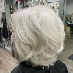 Medium-Length Hairstyle with Layers Sassy Haircuts, Layered Haircuts, Cool Haircuts, Cool Hairstyles, Hair Styles For Women Over 50, Medium Hair Styles, Short Hair Styles, Hair Medium, Haircut For Older Women