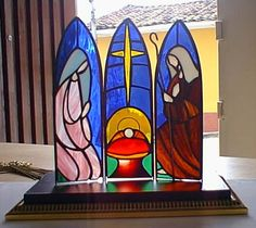 little drummer boy stained glass triptych Stained Glass Christmas, Faux Stained Glass, Stained Glass Projects, Stained Glass Patterns, Quilling Christmas, Christmas Yard, Xmas, O Holy Night, Country Art