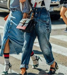 Fashion Trend I Gucci I street-style I accessories I denim Ripped Jeans, Mom Jeans, Socks Outfit, Estilo Jeans, Miu Miu, Denim Trends, Denim Fashion, Fashion Fashion, Urban Fashion