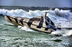 El nuevo Yate de alta velocidad que ni las olas pueden volcar @alvarodabril