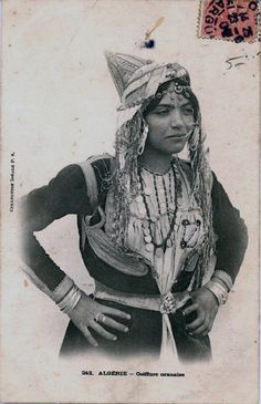 Africa | Traditional headdress from Oran. Algeria | ©Collection Idéale P.S. | ca. 1905 | Old scanned postcard image