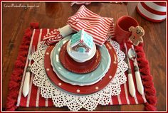 Corner of Plaid and Paisley: Peace Love and Gingerbread Tablescape