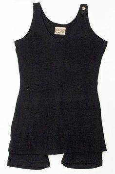 Beachwear (Bathing Suit)  Annette Kellerman (American)  Date: 1926–28 Culture: American Medium: wool Dimensions: Length at CB: 26 in. (66 cm)