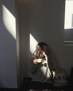 Girl Photo Poses, Girl Photography Poses, Tumblr Photography, Girl Photos, Korean Aesthetic, Aesthetic Photo, Aesthetic Girl, Aesthetic Pictures, Mode Ulzzang
