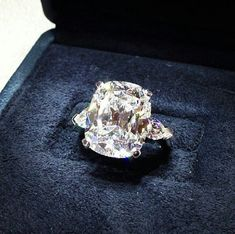 The most widespread of engagement traditions is the groom presenting his bride to be with a ring. Many frequently, the engagement ring is a diamond ring. However, diamonds are not the only jewels used in engagement rings. The Bling Ring, Eternity Ring Diamond, Diamond Ice, Black Diamond, Ring Verlobung, Solitaire Engagement, Solitaire Ring, Large Engagement Rings, Engagement Ideas