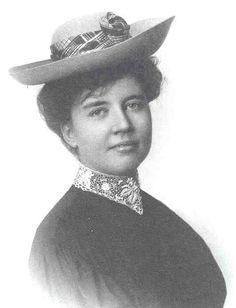 Rose Wilder Lane, hija de Laura, también escritora. Era dueña de una personalidad un tanto excéntrica y en muchas ocasiones, al menos por escrito, maljuzgó a su madre.