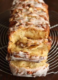 Apple cinnamon pull apart bread :9