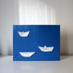 origami lodičky / origami boats Origami Boat, Boats, Paintings, Gift, Ships, Paint, Painting Art, Painting, Painted Canvas