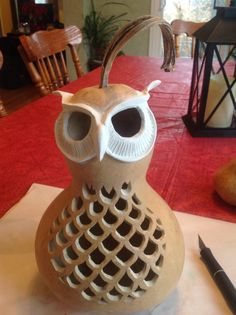 All sculpted, ready for some paint Diy And Crafts, Arts And Crafts, Gourds Birdhouse, Gourd Lamp, Wood Turning Projects, Handmade Home, Wood Carving, Garden Art, Wood Art