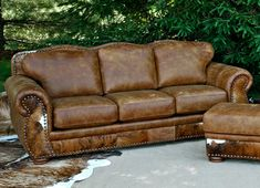 Leather Furniture Decor Traditional Decor - Western Home Decor Living Room Cowhide Furniture, Cabin Furniture, Western Furniture, Leather Furniture, Rustic Furniture, Furniture Decor, Tuscan Furniture, Furniture Design, Colonial Furniture