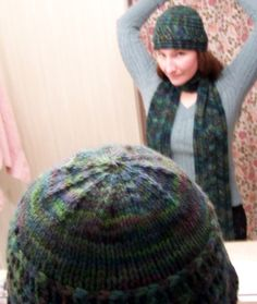 Free knitted hat pattern featuring a lacy column of leaves design Free Knitting, Knitting Patterns, Slouchy Beanie, Leaf Design, Knitted Hats, Leaves, Crochet, Top, Fashion