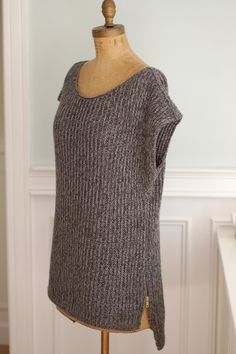 Knitting Patterns Ravelry Mimic Pullover By Veronika Jobe – Free Knitted Pattern – (ravelry) Knitting Patterns Free, Knit Patterns, Free Knitting, Stitch Patterns, Vest Pattern, Free Pattern, Mittens Pattern, How To Purl Knit, Knit Vest