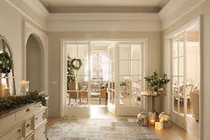 Puertas con cristales, el tono beige, las velas... Así quiero mi casa