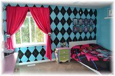 Monster high bedroom ideas! http://cakemomma79.blogspot.ca/2014/03/the-monster-high-bedroom.html