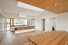 Casa Mullaghmore - Designed by Peter Legge Associates. Great use of natural lights.