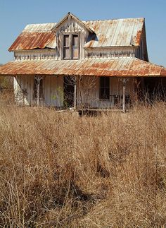 Abandoned Farm House... Restore for a cottage.. Loooove :)