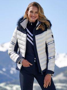 Mode Au Ski, Ski Bunnies, Bunny, Striped Turtleneck, Ski Fashion, Sports Luxe, Ski Pants, Winter Jackets, Ski Jackets
