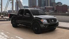 Nissan Frontier Midnight Edition exterior, side profile