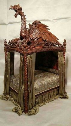 Dragon bed, made by IGMA H/T Michael Reynolds.lol not the most restful look //Maybe now restful to you, but having a dragon to guard me. Oh yeah! I'd sleep wa-ay better knowing I had a guardian dragon watching out for me along with my Guardian Angels. Gothic Furniture, Funky Furniture, Unique Furniture, Furniture Design, Rustic Furniture, Outdoor Furniture, Furniture Projects, Furniture Websites, Furniture Vintage