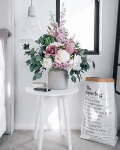 made a pact with myself to buy some beautiful blooms next week 👌🏻 f., I've made a pact with myself to buy some beautiful blooms next week 👌🏻 f., I've made a pact with myself to buy some beautiful blooms next week 👌🏻 f. Vintage Home Decor, Diy Home Decor, Room Decor, Home Flower Decor, Home Flowers, Table Arrangements, Floral Arrangements, Diy Décoration, Home Interior