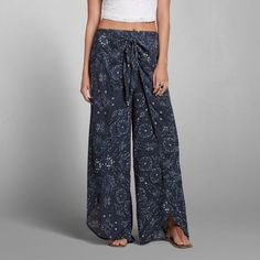Stitch fix - I own these, need a shirt.  no tank top or too much skin on the crop