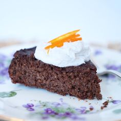 """Flourless Chocolate Orange Cake 🍊 🍫 with Coconut Whip Cream is deeeeeevine aka """"divine"""". 😜As promised on my insta story, here is the recipe for this incredible #glutenfree and #flourless chocolate cake.  2 cups cooked quinoa  3/4 cup raw cacao powder 1 tsp baking powder 2 organic eggs 1/2 cup freshly squeezed OJ 1 banana, mashed  1/3 cup maple syrup 1/2 cup melted coconut oil Zest from 1 organic orange  Preheat oven to 350F degrees. Combine quinoa, raw cacao and baking powder in a large…"""