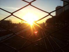 El sol se cuela a través del tejido...