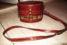 I love this bag! It so chic! Moschino Bag, Belt, Chic, Objects, Accessories, Google, Image, Inspiration, Style