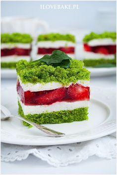 ciasto szpinakowe Sweet Recipes, Cake Recipes, Dessert Recipes, Food Cakes, Cupcake Cakes, Fun Desserts, Delicious Desserts, Spinach Cake, Cheesecake Pops