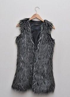 Kup mój przedmiot na #vintedpl http://www.vinted.pl/damska-odziez/marynarki-zakiety-blezery/15414984-przepiekna-kamizelka-reserved-rozmiar-34