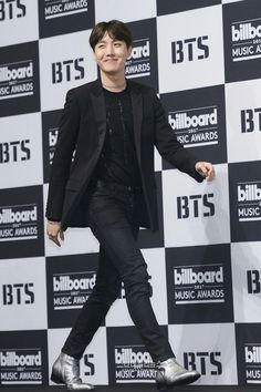 J-Hope 와.. ❤ BTS BBMAs Press Conference~ (PRESS - 170529) #BTS #방탄소년단