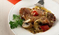 Μπριζόλες χοιρινές στο φούρνο με πιπεριές Φλωρίνης και μανιτάρια   Συνταγές - Sintayes.gr Greek Recipes, Main Dishes, Steak, Food And Drink, Pork, Beef, Chicken, Kitchen Stuff, Gastronomia