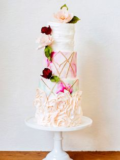 Canada's Prettiest Wedding Cakes For 2015 | Weddingbells