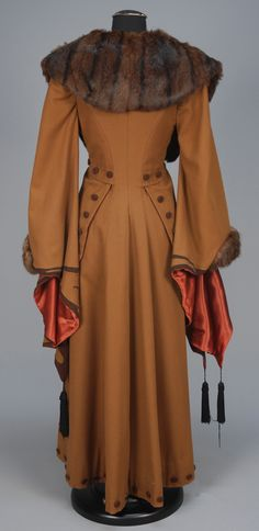 ephemeral-elegance:  Wing Sleeved Wool Coat with Fur Trim, ca. 1910-20via Whitaker Auctions