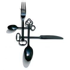 I want these for my silverware one day! They have the same style as old Skelton keys!