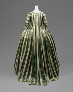 robe a la francaise this makes me soooo tempted to make one with stripes