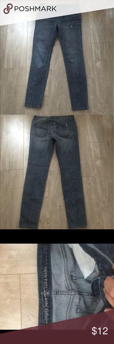 Women's Skinny Jeans size 4 regular Women's Skinny Jeans Size 4 regular Simply Vera Jeans Skinny