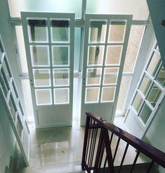 Lacamos todo tipo de de puertas maderas muebles www.plservice.es Windows, Wood Gates, Furniture, Window, Ramen