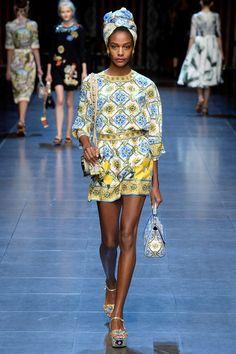 367387bc2e4d Dolce  amp  Gabbana Spring 2016 Milan Fashion Weeks